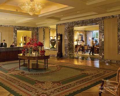 reception-four-seasons-hotel-1