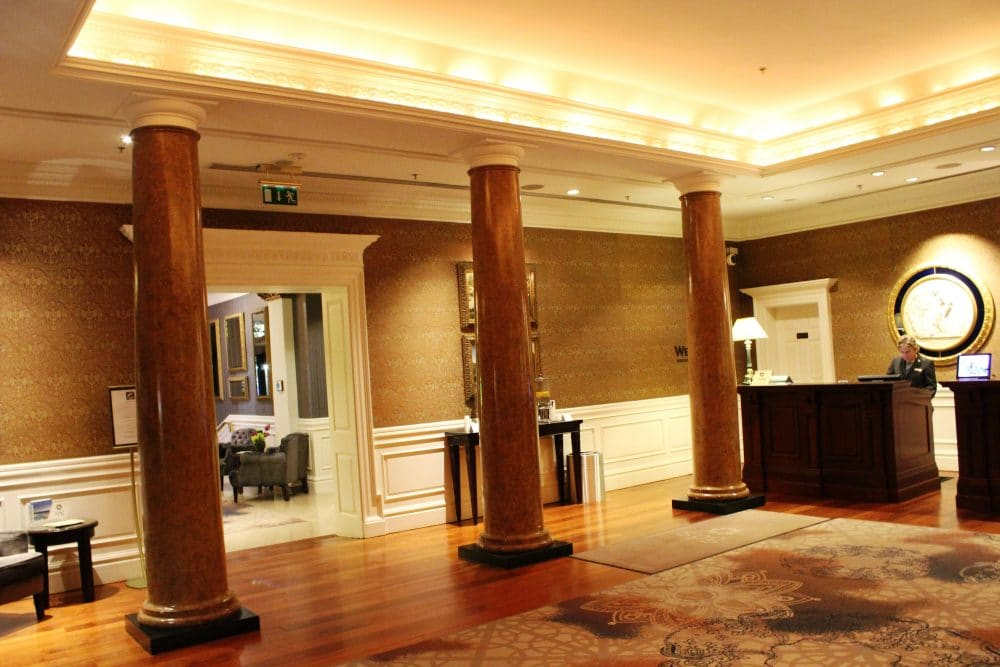 columns-in-reception-area